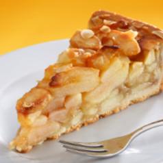 Apfel-Aprikosen-Mandelkuchen