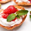 Erdbeeren mit Stachelbeerschaum