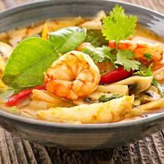 Kokosnuss-Ananas Suppe