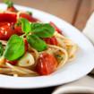 Nudeln mit Tomaten-Basilikum