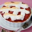 Rhabarberkuchen mit Sahneguß und Baiserhaube