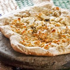 Schafskäse-Pizza