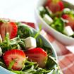 Spinatsalat mit Feta und Erdbeeren