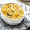 Überbackene Makkaroni mit Käse und Brokkoli
