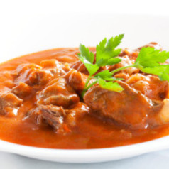 Ungarisches gulasch hauptgerichte kochgourmet for Ungarisches paprikapulver