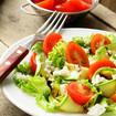 Zucchini-Sellerie-Salat mit Mozzarella